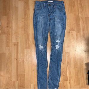 Levis 710 jeans